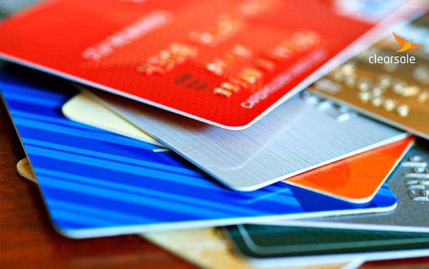 Roubo de dados de cartão de crédito exige atenção do varejo e do consumidor